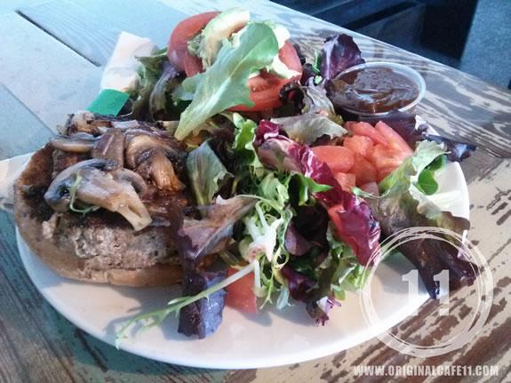 Meatloaf Deluxe Sandwich